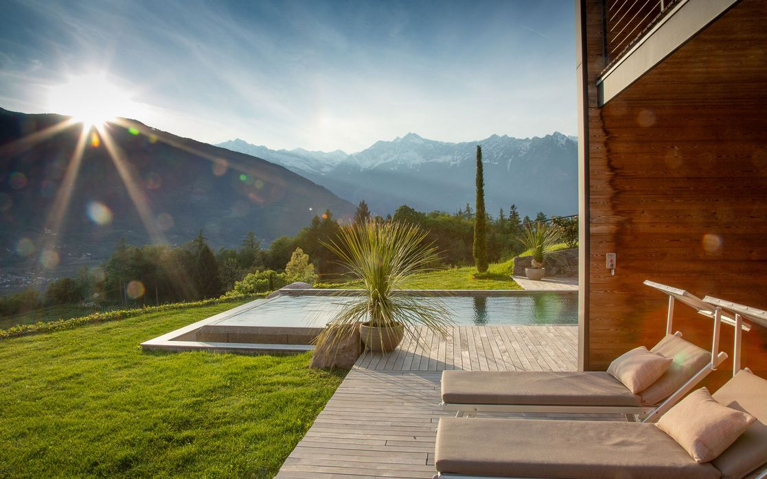 Luxury chalet South Tyrol / Meran Lodge/ Holiday home with swimming pool